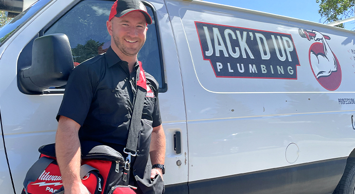 The 6 Factors You Must Consider Before Hiring A Plumber